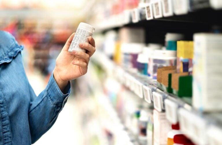 ¿Existe alguna píldora abortiva de venta libre que pueda tomar sin receta?